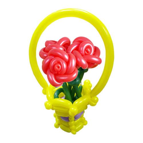Букет в корзине с 3 красными розами из воздушных шаров