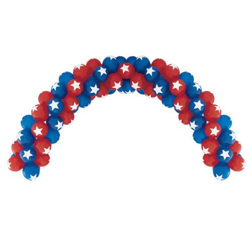 Красно-синяя арка с белыми звездочками из воздушных шаров