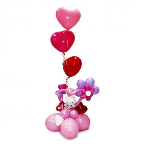 Фонтан от Китти из воздушных шаров