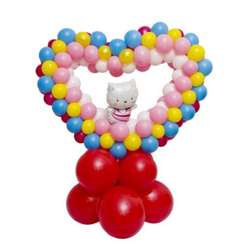 Сердце с Китти из воздушных шаров