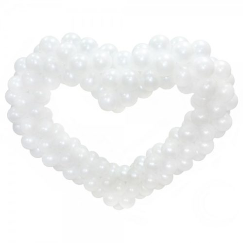 Белое вытянутое горизонтально сердце из воздушных шаров