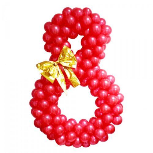 """Цифра """"8"""" из красных воздушных шаров с золотым бантом"""