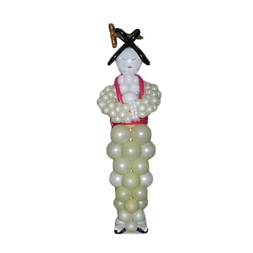 Японская девушка из воздушных шаров