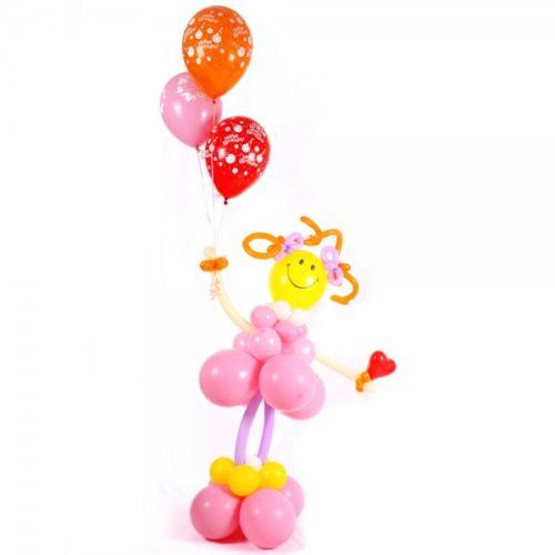 Девочка с шариками и сердцем из воздушных шаров