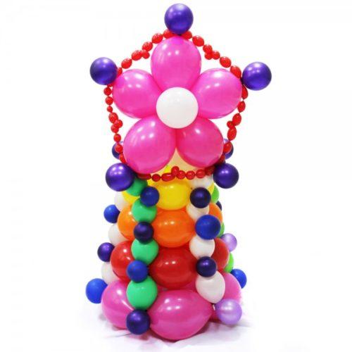 Новогодняя елка разноцветная с розовым цветочком из воздушных шаров