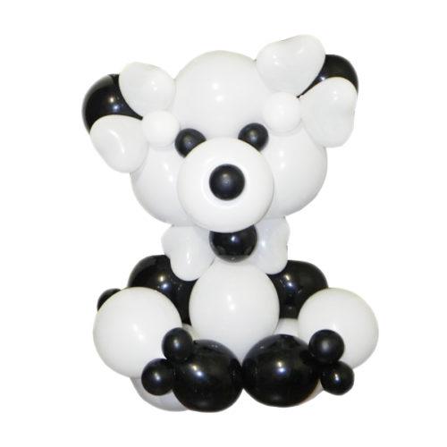 Черно-белый медведь из воздушных шаров