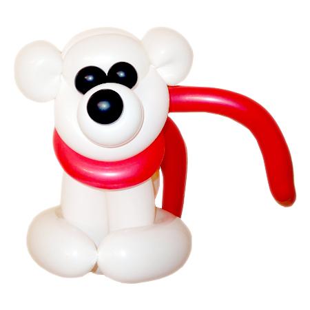 Белый медвежонок с шарфом из воздушных шаров