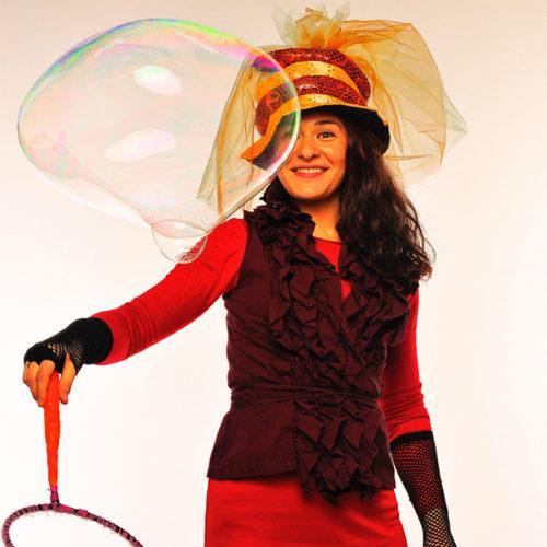 Живая открытка - Поздравление от колдуньи с шарами