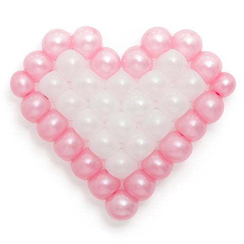 Панно из шаров сердце розово-белое