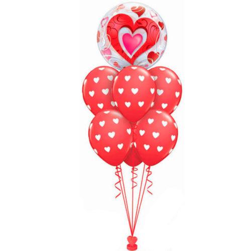 Фонтан из шаров с круглыми шарами и шаром с сердцем