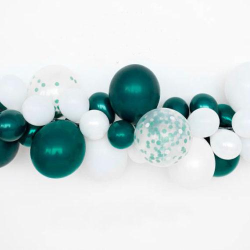Гирлянда из разных шариков цвета Изумрудный и Белый