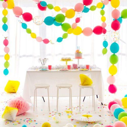 Набор разноцветных гирлянд из шаров разного размера 4 штуки по 5 метров