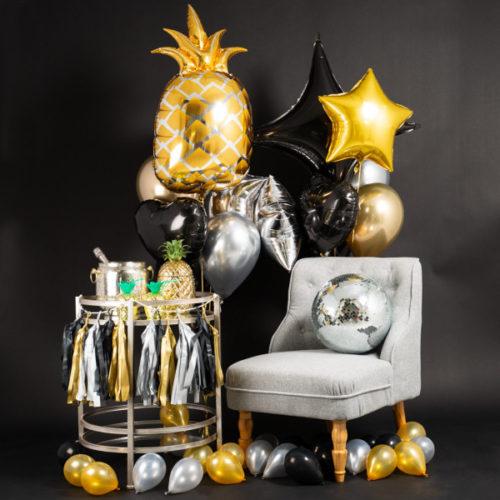 Фотозона Новый год Гирлянда и Ананас