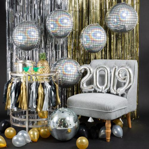Фотозона Новый год Диско шары и Цифры