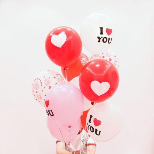 Связка из 11 шаров Ассорти Розовые Белые и Красные тона про Любовь