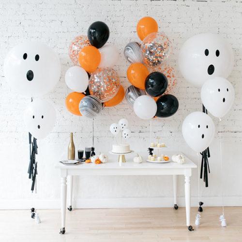 Комплект шаров Приведение с черной гирляндой Тассел 5 штук 2 Фонтана и 3 шара на палочке