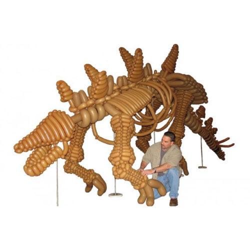 Динозавр из воздушных шаров