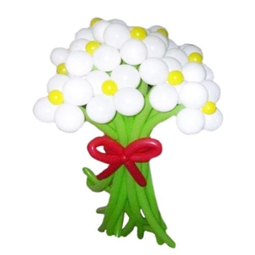 Букет из 11 белых цветов с красным бантом