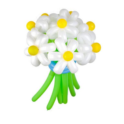 Букет из 9 белых ромашек с голубой лентой из воздушных шаров