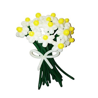 Букет из 17 белых цветов с бантом