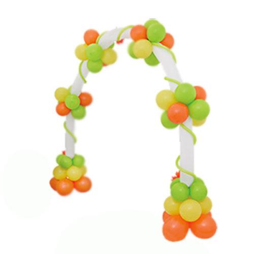 Арка из желтых, оранжевых, салатных воздушных шаров