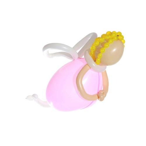 Девочка-ангел в розовом платье из воздушных шаров