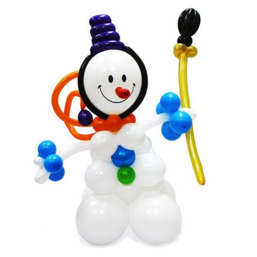 Белый снеговик-девочка с цветком из воздушных шаров
