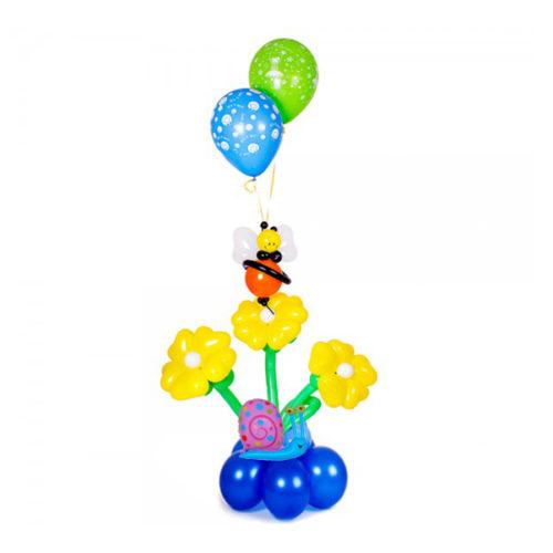 Фонтан с пчелой и улиткой из воздушных шаров