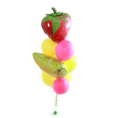 Фонтан с клубнничкой из воздушных шаров