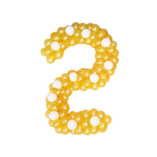 """Цифра """"2"""" из золотых воздушных шаров"""
