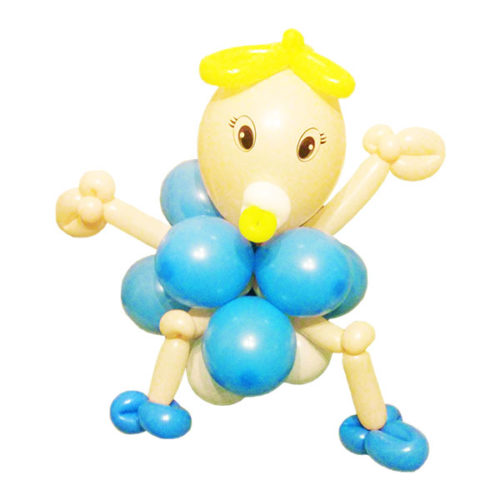 Ребенок в голубой одежке из воздушных шаров