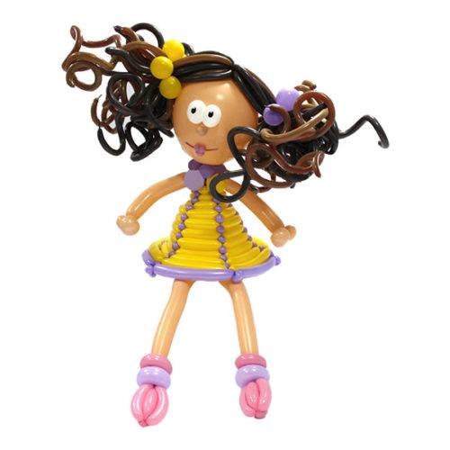 Девочка в желтом платье из воздушных шаров
