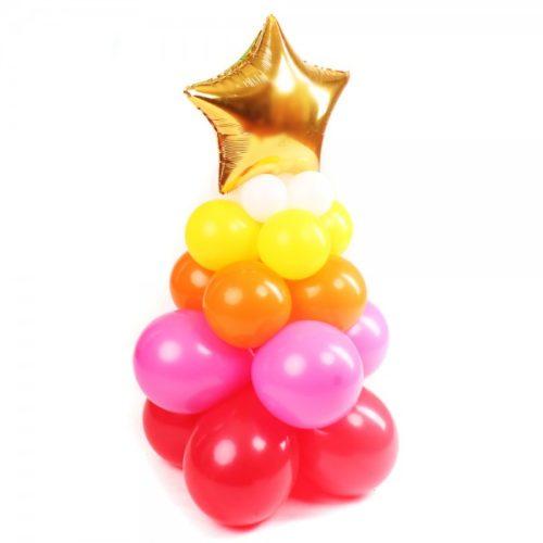 Новогодняя елка разноцветная с золотой звездой из воздушных шаров
