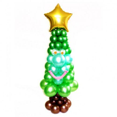 Зеленая новогодняя елка с золотой звездой из воздушных шаров
