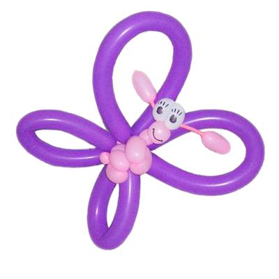 Розово-фиолетовая бабочка из воздушных шаров