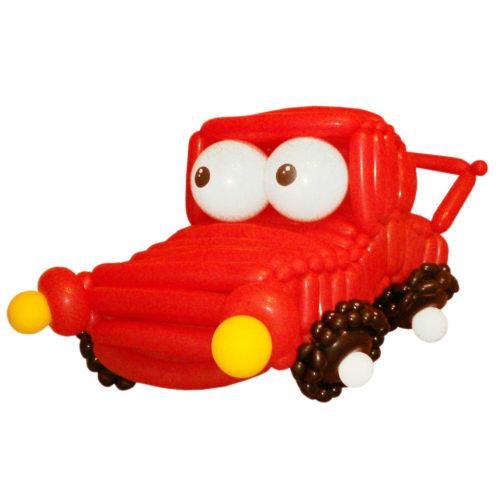 Красная машинка из воздушных шаров