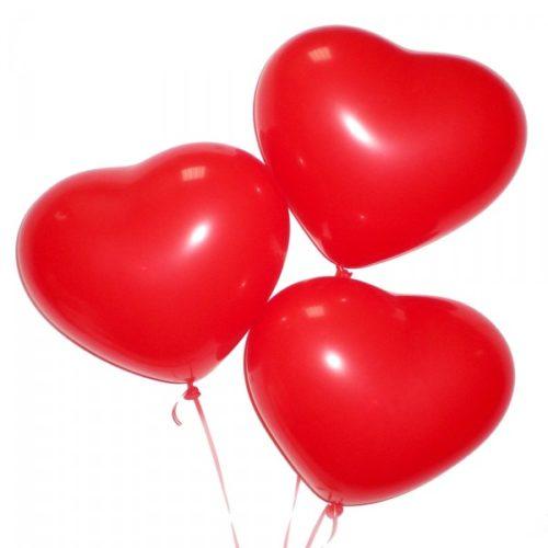 Набор из 3 красных воздушных шаров сердец одного размера