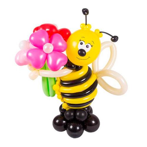 Пчелка с букетом из воздушных шаров