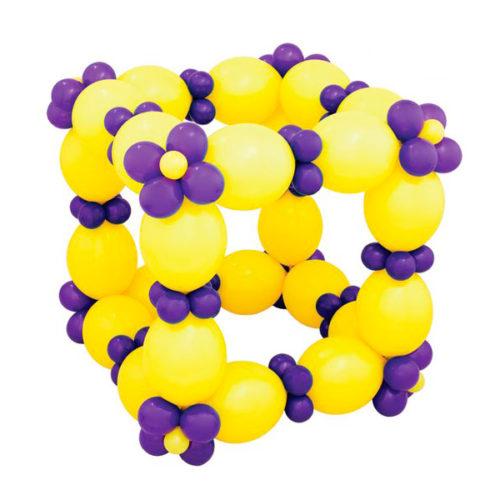 Кубик желтый из воздушных шаров