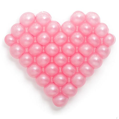 Панно из шаров сердце розовое