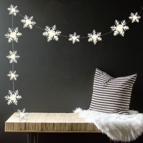 Гирлянда Снежинки 3 м 8-12 см серебро 3D