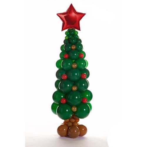 Елка новогодняя из воздушных шаров с игрушками и звездой