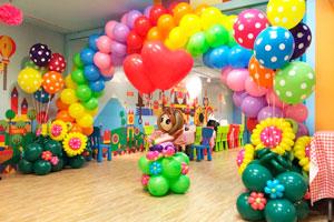 Фигуры из шаров для Выпускного в детском саду