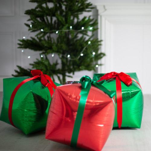 Комплект из шаров для украшения Елки на Новый год Подарки