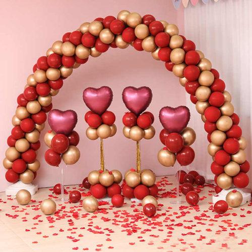 Комплект из шаров для украшения Любовь Бордо и Золото Стойки с Аркой