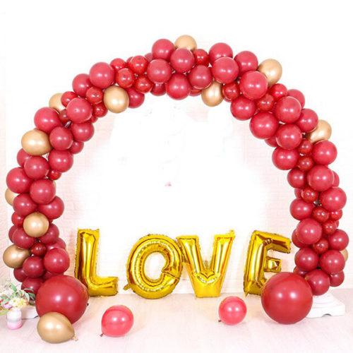 Комплект из шаров для украшения Любовь Бордо и Золото с Аркой