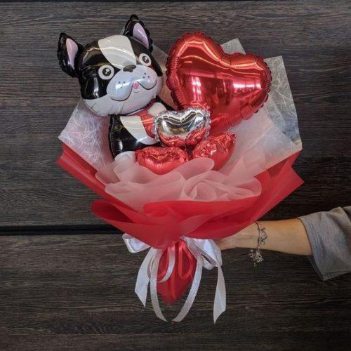 Букет из воздушных шаров Бульдог с Сердцем