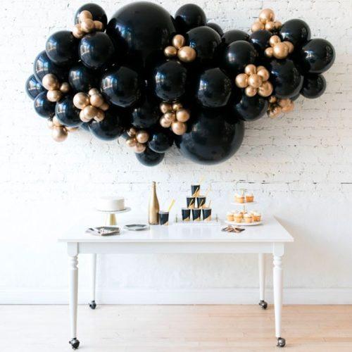 Гирлянда из разных шаров Черный и Золото Хром 2 метра