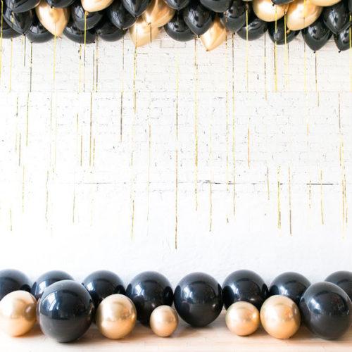 Комплект из воздушных шаров Шары под потолок 50 штук Черный Золото Хром и шары на пол