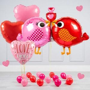 Комплект из воздушных шаров Влюбленные птички Сердца и шары на пол